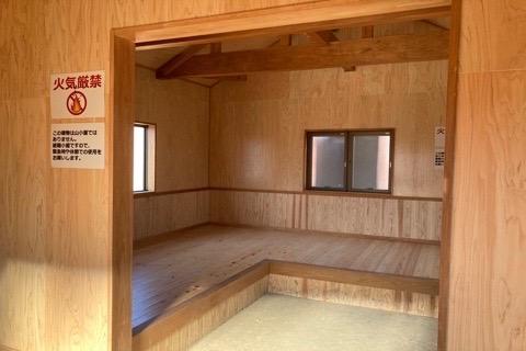避難小屋6